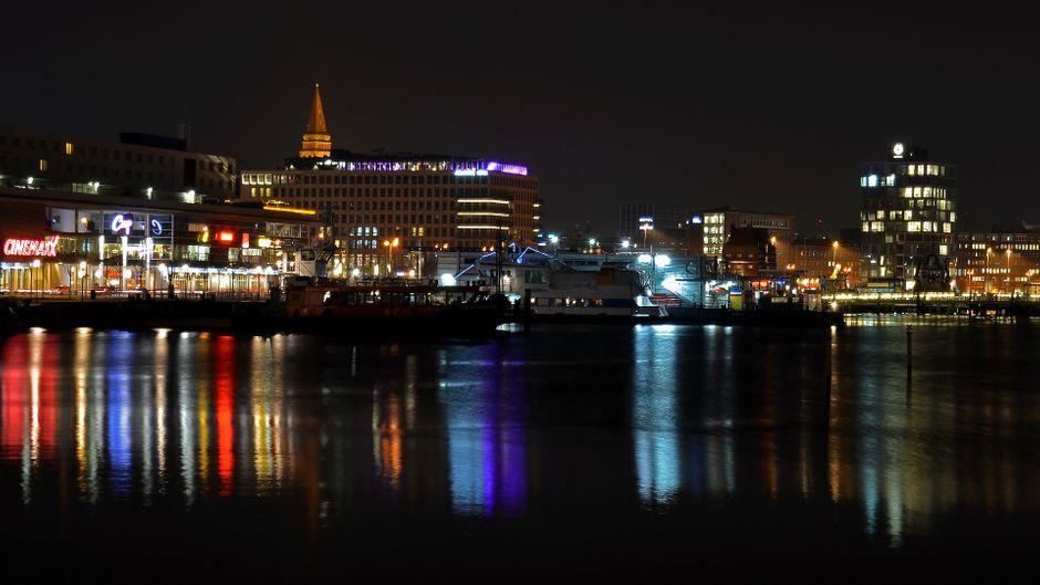Die Kieler Innenstadt bei Nacht musst du mal erlebt haben.