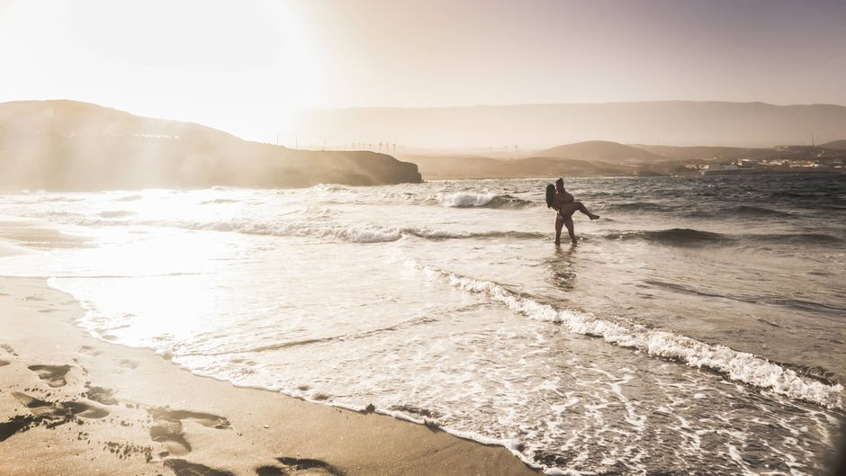 Je näher am Strand du dein Ferienhaus buchst, umso teurer wird es.