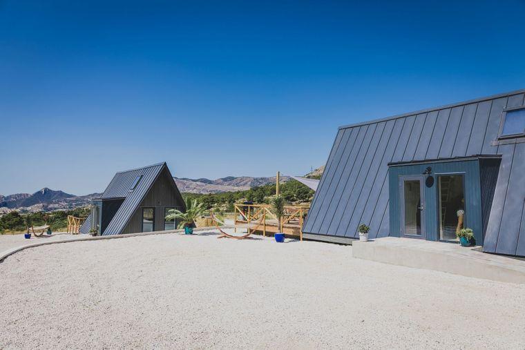 Die beiden Tiny Houses von Finca les Coves in Spanien.