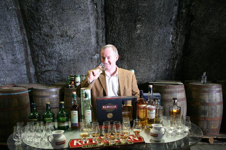 Die Whiskey-Verkostungen finden bei Kilbeggan in gediegener Atmosphäre statt.