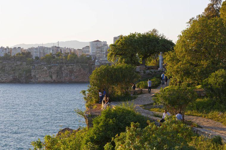 Der Karaalioglu Park in Antalya beherbergt zahlreiche Denkmäler und Statuen.