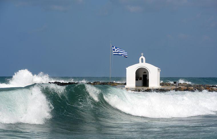 Agios Nikolaos, die berühmte Kapelle im Meer.