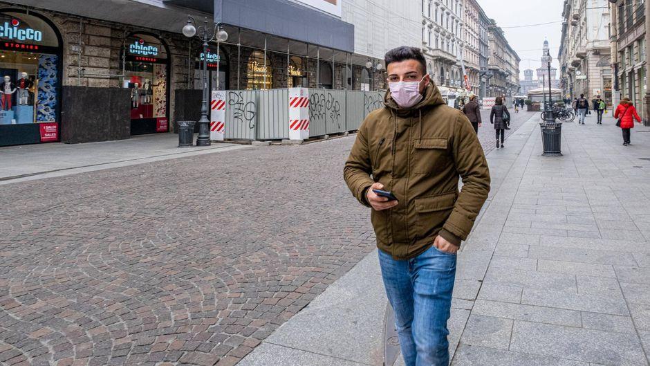 Ein Mann aus Südtirol ist positiv auf das Coronavirus getestet worden. (Symbolbild)