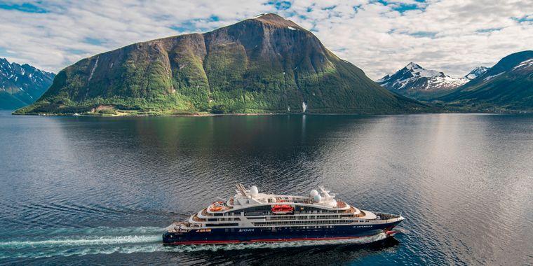 """Die """"Le Lapérouse"""" der Reederei Ponant gilt als Luxus-Kreuzfahrtschiff."""
