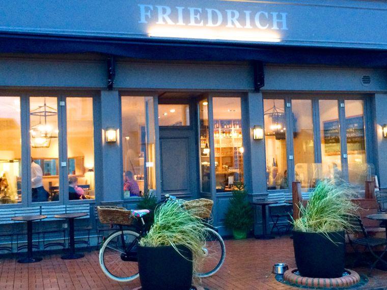 Im Friedrich findest du Schutz vor dem heulenden Wind.