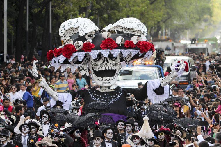 Tag-der-Toten-Parade in Mexiko Stadt.