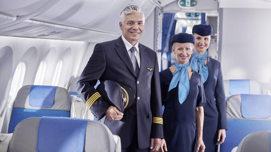 Crew im Flugzeug.