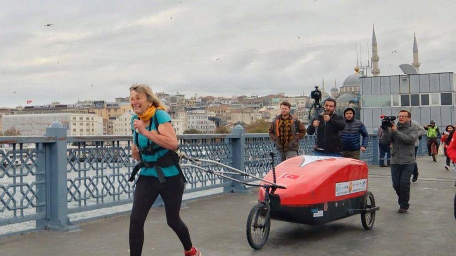 Rosie Swale Pope läuft und läuft und läuft … gerade von England nach Kathmandu!
