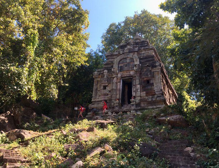 Ziel vieler Gläubiger: Der Tempel Prasat Phnom in der Nähe von Takeo ist einer der ältesten des Landes.