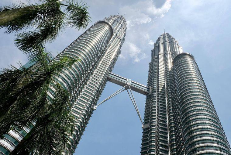 """Die """"Petronas Towers"""" in Kuala Lumpur."""