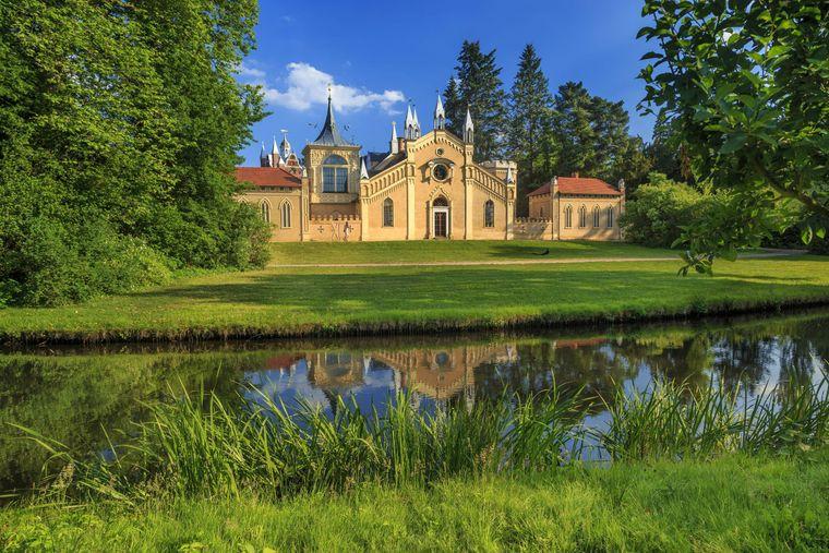 Das Gotische Haus in Wörlitz ist eines der vielen Schlösser der Region und gehört zum Weltkulturerbe der Unesco.