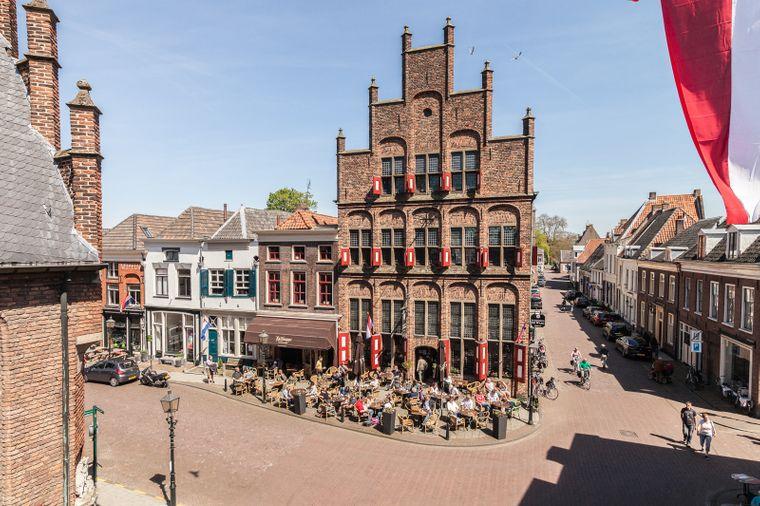 In der Hansestadt Doesburg gibt es viel zu entdecken – zum Beispiel das Stadsbierhuys de Waag, das älteste Lokal seiner Art in den Niederlanden.