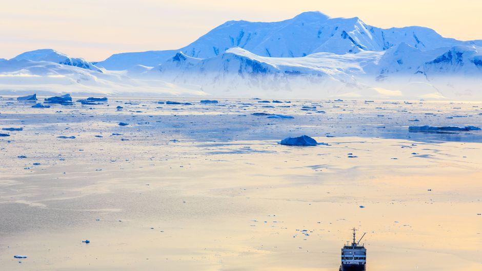 So eine Kreuzfahrt in der Antarktis ist an sich schon besonders – bei dieser sehen die Passagiere zusätzlich noch eine Sonnenfinsternis. (Symbolfoto)