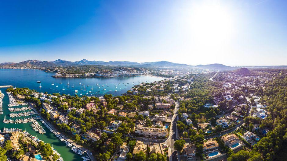 Blick auf Mallorca – auf der Insel eröffnen auch 2020 wieder neue Hotels.