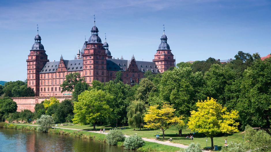 Schloss Johannisburg am Main inklusive Parkanlage.