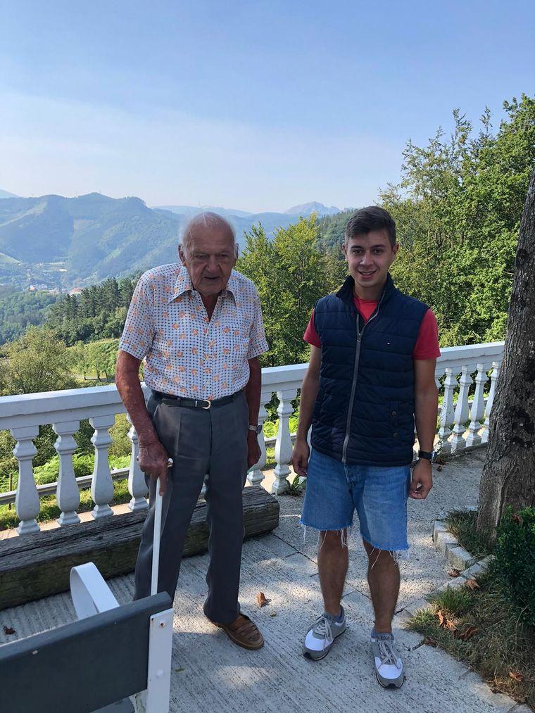 Torben reist mit seinem 93-jährigen Nachbarn durch Europa.