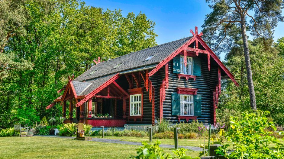 Beeindruckende Ferienhäuser gibt es in Deutschland allemal – zum Beispiel das Maxim-Gorki-Haus in Brandenburg.