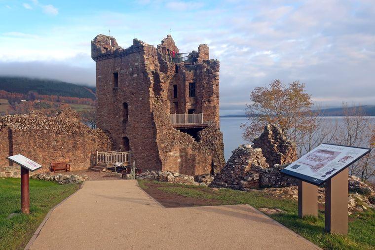 Die Festung Urquhart Castle.