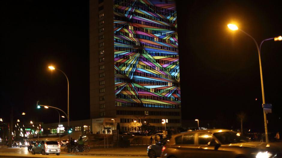 Das Mercure-Hotel bei Nacht während des Potsdamer Lichtspektakels.