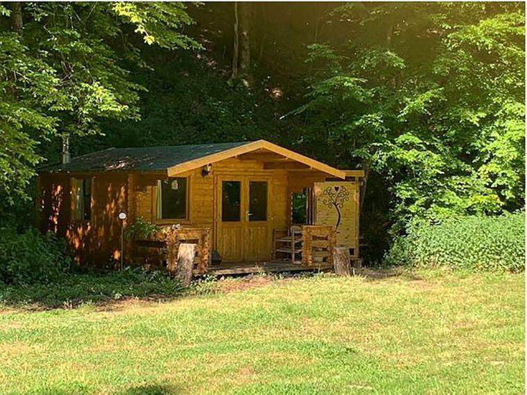 Diese coole Blockhütte findest du in Kollig.