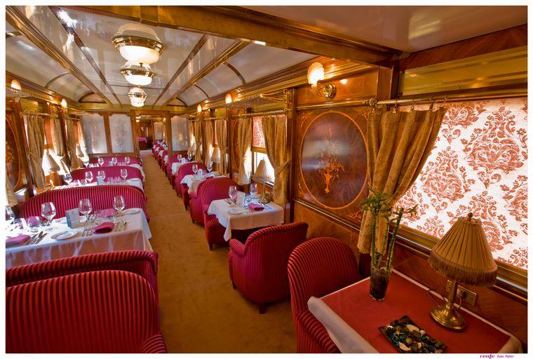 Die Wagen des Tren Ál Andalus sind im Stil der Belle Époque gestaltet.
