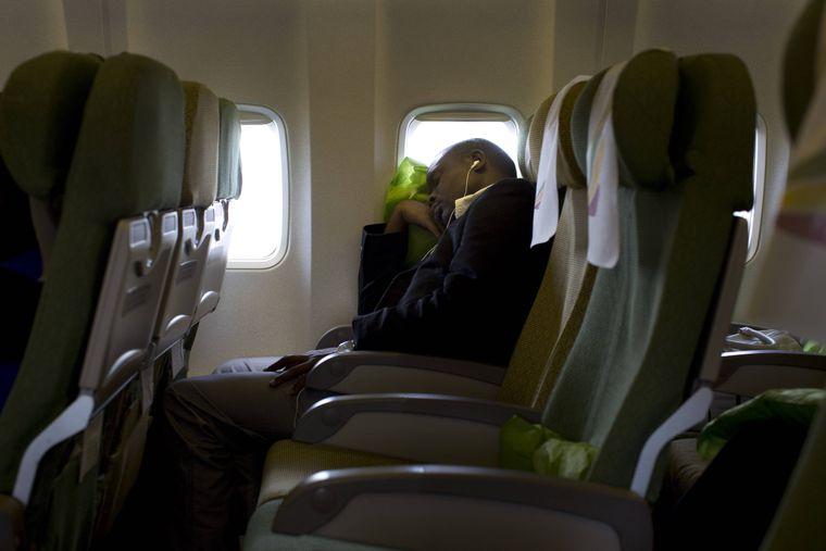 Schlafende Fluggäste