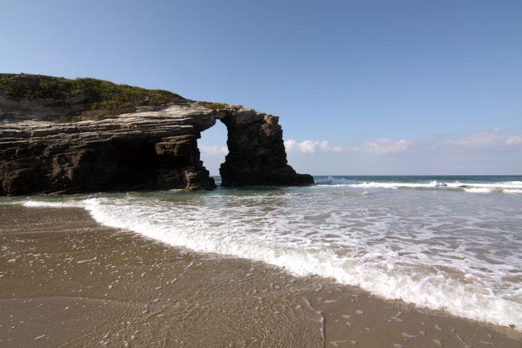 Die Playa de las Catedrales in der Ortschaft Ribadeo ist der ganze Stolz von Galicien.