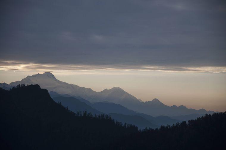 Die Sonne geht über dem Himalaya auf