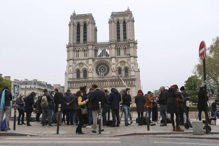 Die Kathedrale Notre-Dame de Paris nach dem verheerenden Feuer.