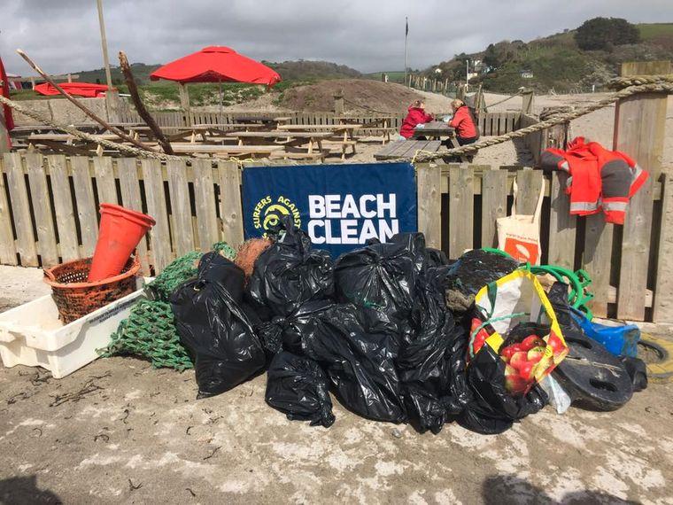 Pentewan Beach – auch hier fanden Pat und ihre Helfer jede Menge Müll…