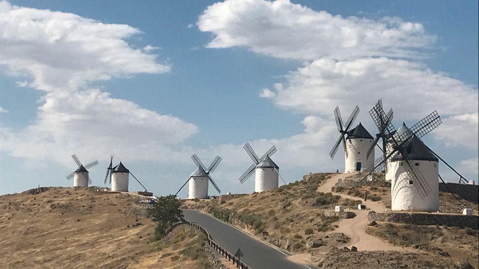 Consuegra ist einer von vier Orten in der Mancha, die mit ihren Windmühlen werben.