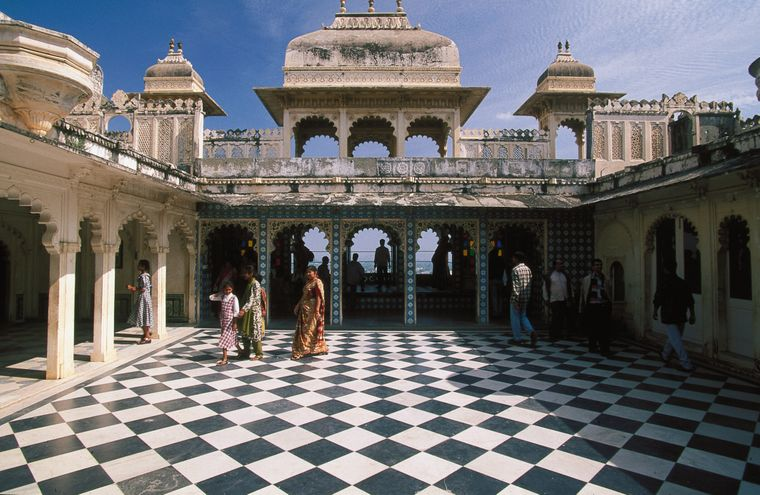 In Rajasthan besichtigst du das City Palace Museum.