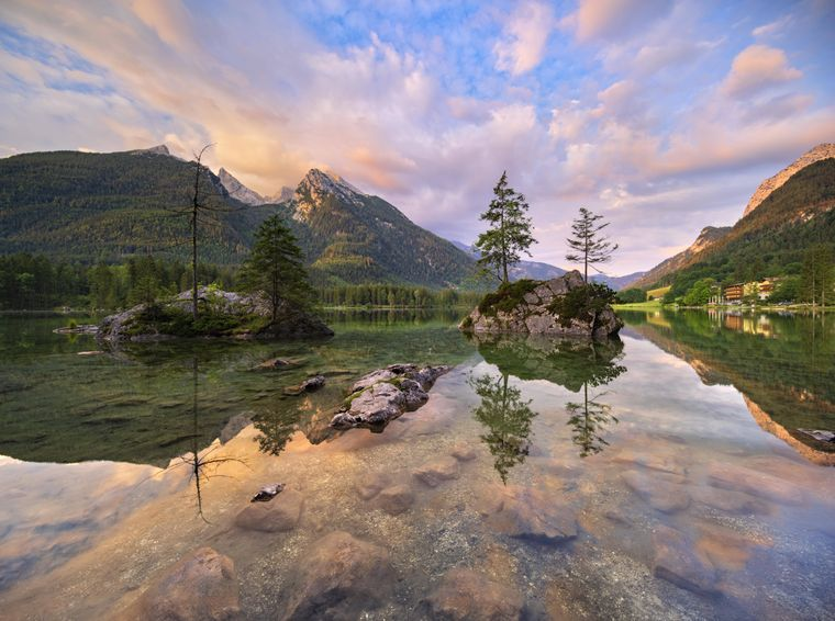 Morgenstimmung am Hintersee im Nationalpark Berchtesgaden.