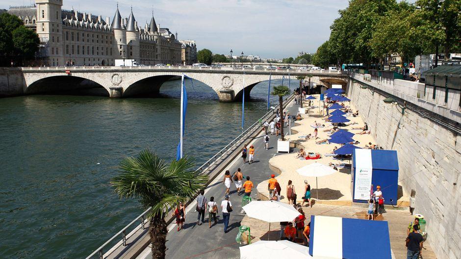 In Paris öffnet ein Wasserkino.
