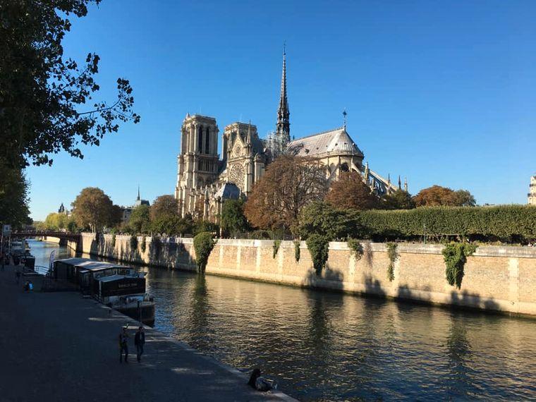 Bestes Wetter hatte Luise aus Leipzig, als sie im Herbst 2018 in Paris war – Notre-Dame stand natürlich auch auf dem Programm.