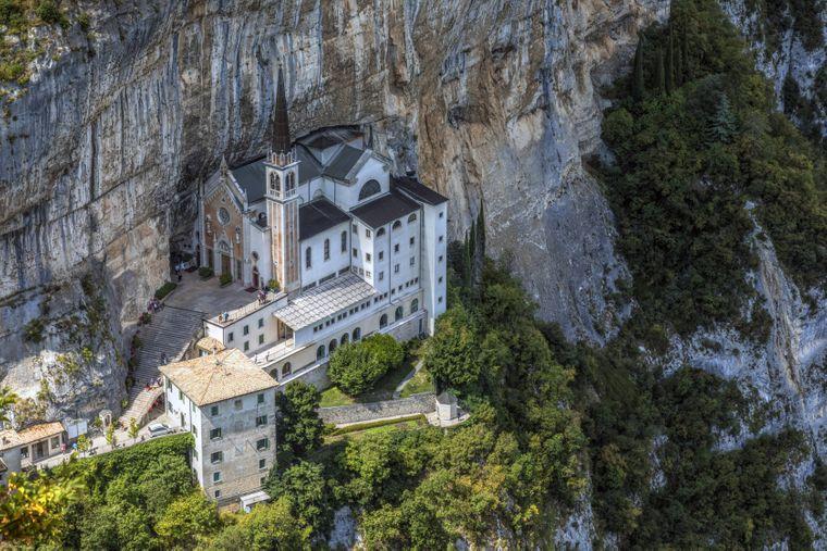 Basilika Madonna della Corona