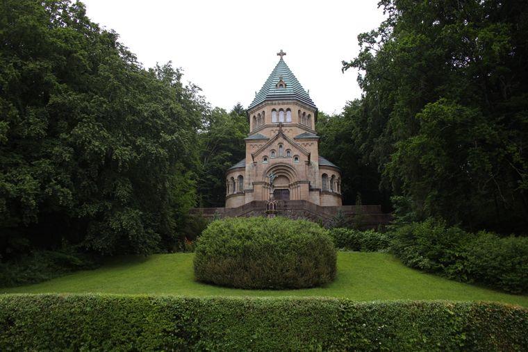 In Gedenken an König Ludwig II. ist nahe Berg am Starnberger See eine Kapelle errichtet.