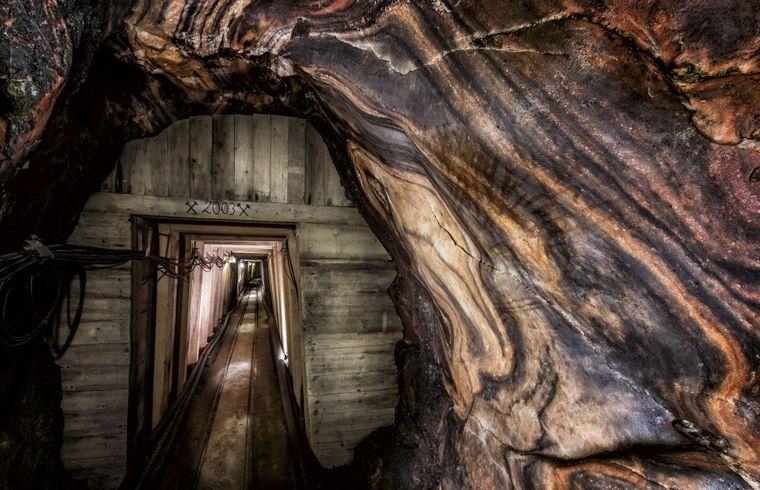 Gänge aus purem Steinsalz, die Mineralienkammer, ein Salzsee - im Schaubergwerk Altaussee gibt es viel zu sehen.