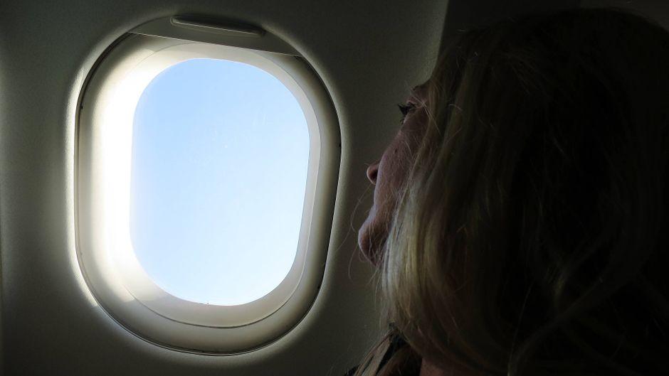 Sexuelle Belästigung im Flugzeug kommt leider nicht selten vor. (Symbolfoto)