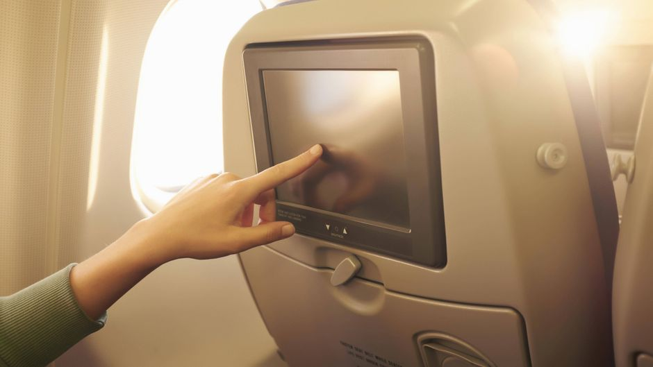 Bildschirm im Flugzeug.