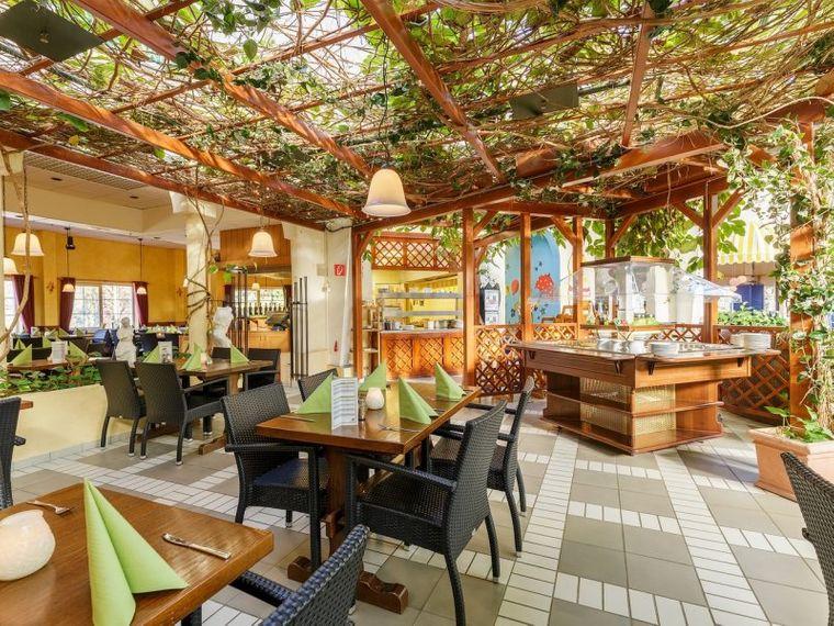 """Das """"Market Restaurant"""" bietet täglich wechselndes Dinner-Buffet"""