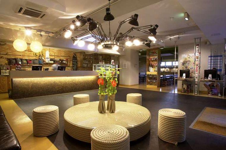 """Die Zimmer und die Lobby der """"Superbude"""" sind ganz im Do-it-yourself-Style gestaltet."""