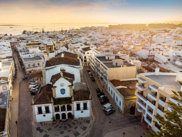 Der kleine Badeort Olhao ist besonders wegen seiner Architektur beliebt.