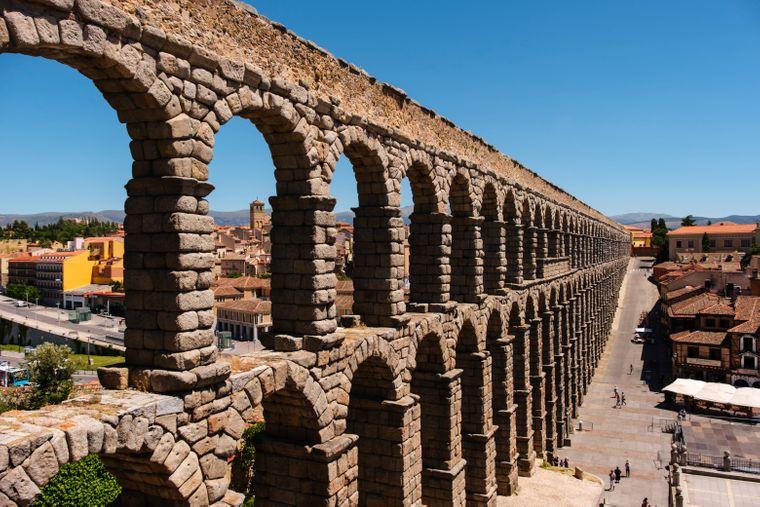 Ein römisches Aquädukt – Unesco-Weltkulturerbe in Segovia.