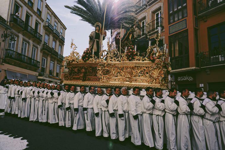 Während der Semana Santa zur Osterzeit sind feierliche Prozessionen eine wichtige Tradition.