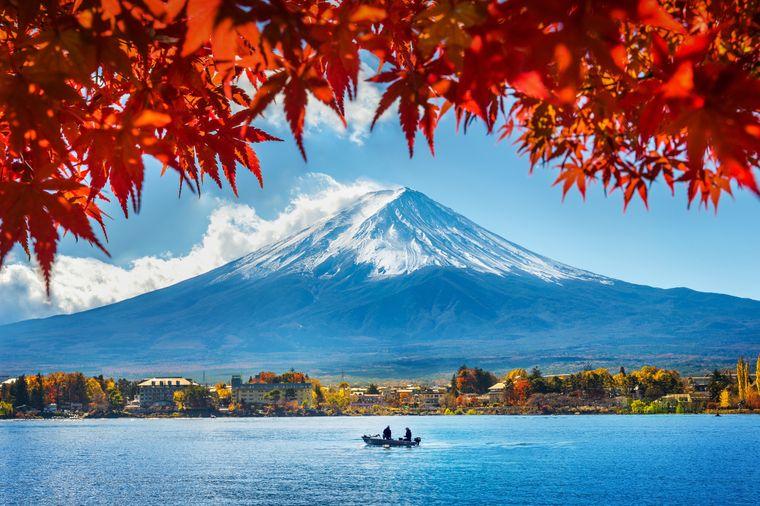 Der Fuji ist der bekannteste Vulkan in Japan.