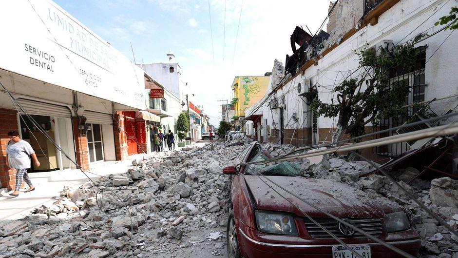 Nach dem Erdbeben am 19. September 2017 liegen die Straßen von Jojutla, Morelos (Mexiko) von Trümmern bedeckt.