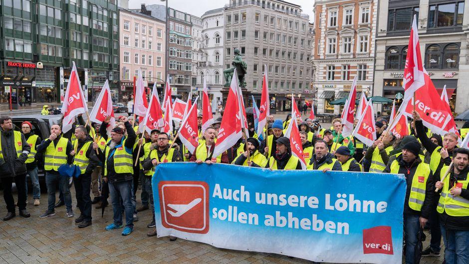 Demonstration des Bodenpersonals am Hamburger Gänsemarkt.