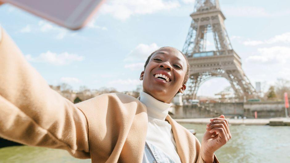 Der Eiffelturm war mehr als drei Monate lang geschlossen – nun öffnet er trotz Corona-Krise wieder.