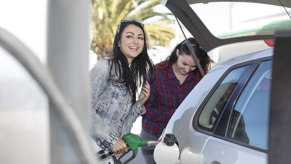Tanken im Urlaub – wo sind die Benzinpreise günstiger: In Deutschland oder anderen Ländern in Europa?